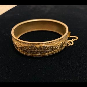 Vintage Jewelry - Vintage bangle bracelet with safety chain